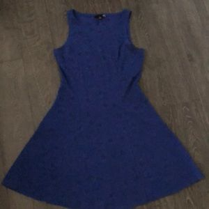 Dresses & Skirts - Blue form fit n flare dress